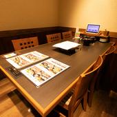 選べる4つの食べ放題コース。オシャレな個室空間で肉食女子会