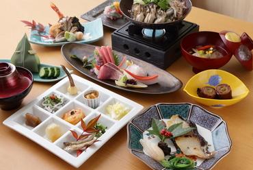 手軽に2名さまから愉しめるコース料理。旬の食材を味わう『ミニ懐石コース』