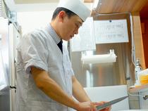 日々訪れる人と真っ向から向き合い、料理の発展を目指して