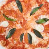 イタリア産小麦粉の生地がモチモチで香ばしい、本格ピッツァ