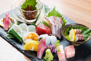 近海モノを中心に折々の最高の鮮魚で彩る『おまかせ上刺盛』