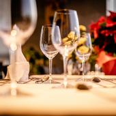 彩り豊かな料理と素敵なサプライズで心に残る記念日を演出