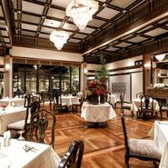 落ち着いた雰囲気がただよう【創作フレンチ 百花籠 清雅】。フランスのミシュラン三つ星付きレストランで修業した水野氏による、創作フランス料理を味わえます。「ここぞ」という勝負のかかった接待も叶います。
