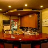 手づくりの珍味と地酒を通じて、金沢の食文化に触れられる店