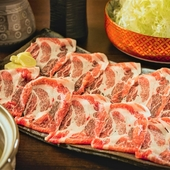たっぷりのネギと豚肉を、和風の蕎麦だしでしゃぶしゃぶに。〆の蕎麦まで大満足の『しゃぶしゃぶ』