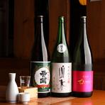 大分と言えば、別府や湯布院に代表される全国屈指の温泉地と、世界でも高く評価された銘酒。『ちえびじん』『山水』など、香り優しく華やかな味わいの地酒が取り揃えられています。