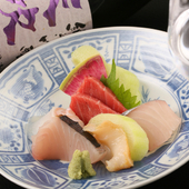 旨い魚介を食べ慣れた北海道民が驚く美味しさ『刺身盛り合わせ』