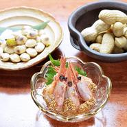 野菜は地元のもの、魚は近海で獲れたものを仕入れています。新鮮で状態の良いものを厳選していて、何を食べても納得の美味しさ。季節の旬食材もあり、季節の移ろいを感じさせてくれる料理を堪能できます。