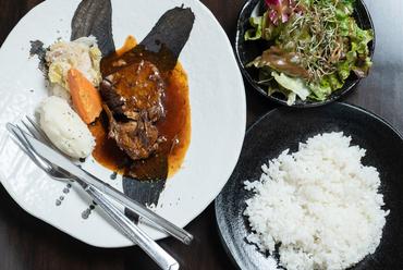 ホテルレストランやフレンチ仕込みのメイン料理が登場する『本日のランチ』