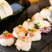 味はもちろんキュートな見た目に女子のハートは釘付け。手まり寿司8貫を一度で楽しめる『パフボール寿司』