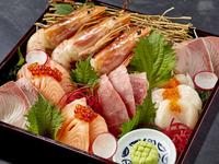 直送鮮魚の旨さを実感する盛り合わせ『かどはち玉手箱』