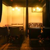 プライベートな集まりに重宝する半個室席