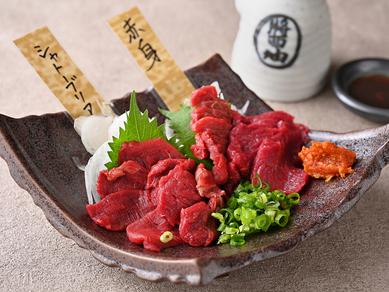 『赤身とシャトーブリアンの食べ比べ』で希少なシャトーブリアンのとてつもなく柔らかな食感をご賞味あれ!