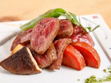 希少な京都産黒毛和牛を堪能『【牛】京の肉レアステーキ』