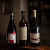 島の気候や食材にあわせた、ソムリエでもあるシェフ厳選のワイン