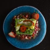 旬の宮古島の野菜を盛り込んだ、色鮮やかな『島野菜のテリーヌ』