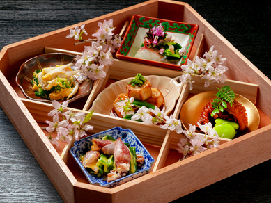 京都ならではの料理を堪能できる『おばんざい五種盛り』