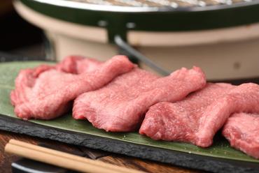 サックリとした歯ごたえと、肉の旨みを堪能『厚切りタン』