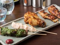 部位に合わせた焼き加減で食感や味わいを堪能できる『焼鳥』