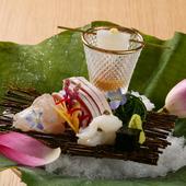 新鮮な旬魚をそれぞれに合わせた味わいで『造り』