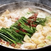 スッキリとキレのあるスープが旨い、定番のもつ鍋(しょうゆ)