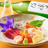 閖上漁港や塩釜漁港から直送される鮮魚が刺身で堪能できる『親方のお勧め五種盛り』