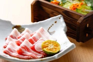 貴重な沖縄県産あぐー豚を満喫できる『山原島豚あぐーしゃぶしゃぶコース』