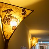 植物漉き込み和紙を使った風情ある灯り