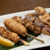 ハーブ入り飼料を食べ、平飼いでのびのび肥育された、濃厚な鶏のうま味を味わう『長州どりの焼き鳥』