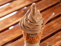 香ばしくさっぱりとした味わいが人気『ほうじ茶ソフトクリーム』