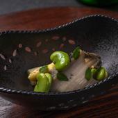 だしの味わいを愉しむ『白アスパラ 蒸し鮑 五月豆』