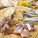 板前さんが握る本格お寿司やアワビ、産地直送のとれたての魚介類もご用意!