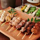 紀州備長炭で香ばしく焼き上げた『焼鳥&野菜串』を五島列島の塩で味わう