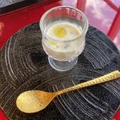 素材の旨みを思う存分堪能できる『白子スープ』