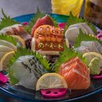 ネタはすべて沖縄で獲れる魚を使用。「アカマチ」や「ブダイ」など、沖縄ならではの魚がいただけます。醤油は店舗オリジナルブレンド。甘めなのが特徴で、刺身と合う絶妙な味わいを体感できます。
