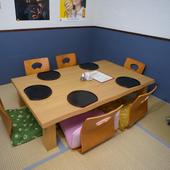 畳敷きの半個室も用意されています