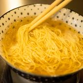 ベースとなるスープには、魚介・鶏・牛・豚をふんだんに使用