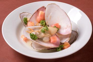 知床産の「貝のおいしさ」が凝縮された『平貝の酒蒸し』