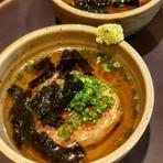 甘味、香り、適度な粘りが特徴の幻の菊池米「菊池七城清流米」を羽釜で炊き上げております。