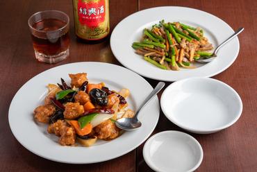 ビールによく合う『辣子鶏(ラーズージー)/ニンニクの芽の豚肉炒め』