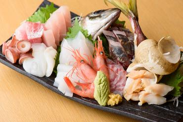 天然ものにこだわった地魚を堪能できる『新鮮魚のお造り』