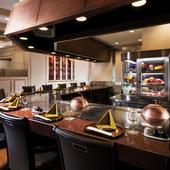 五感を刺激し、楽しい食時間へと誘う、居心地のよい空間