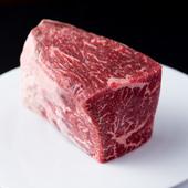オーナーシェフ自ら選んで決めた牧場より仕入れる牛肉