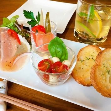 【乾杯と前菜コース】1ドリンク付き 前菜4品