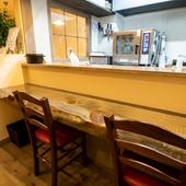 長年愛された寿司カウンターを再生