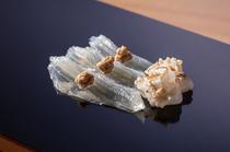程良い食感と、昇華された旨みを味わえる『江戸島の鮃三日ねかせ』