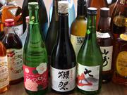 日本酒・焼酎・ワインに、フルーツ王国九州から果実感たっぷりのシロップも用意。ハイボールやサワー、ノンアルコールでも楽しめます。