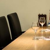 シェフがおいしいと思ったフランス産のワインをメインに品揃え
