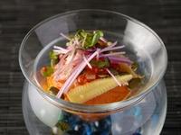 ひとつひとつの食材を活かし個性を持たせ、季節を感じさせる『主皿』