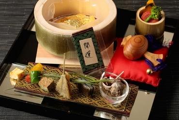 ゲストの嗜好に合わせられる、さまざまな種類の「コース料理」が存在